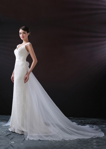 Elegant Lace V-neck Neckline Mermaid Wedding Dress