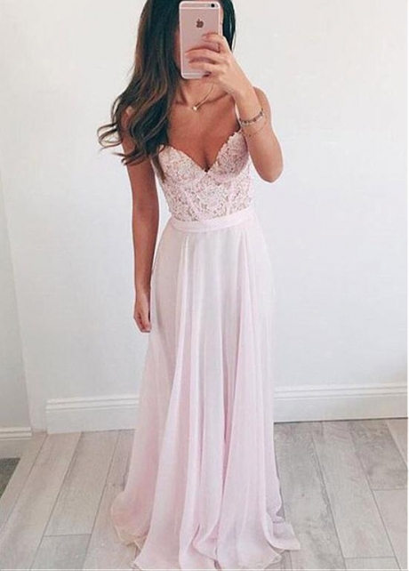 Modest Chiffon Spaghetti Straps Neckline A-line Bridesmaid Dresses With Lace Appliques & Belt