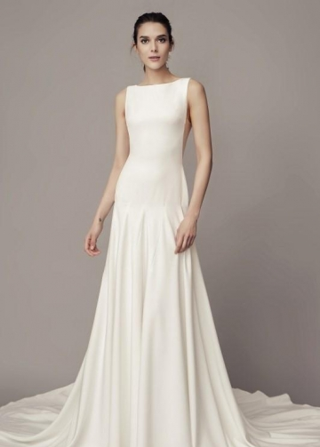 Bateau Simple Wedding Dresses with Sweep Train