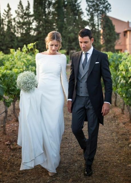 Buttons Long Sleeves Modest Sheath Bridal Dress Wedding