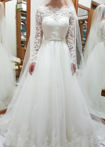 Bateau Lace and Tulle Wedding Gown Dress Long Sleeves