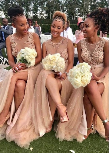 Distinctive Champagne Tulle Jewel Neckline Floor-length A-line Bridesmaid Dresses With Slit