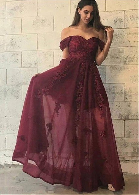 Elegant Tulle Off-the-shoulder Neckline A-line Evening Dress With Lace Appliques