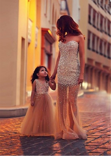 Glamorous Tulle Sweetheart Neckline See-through Sheath/Column Evening/Mother and Daughter Dress With Beadings