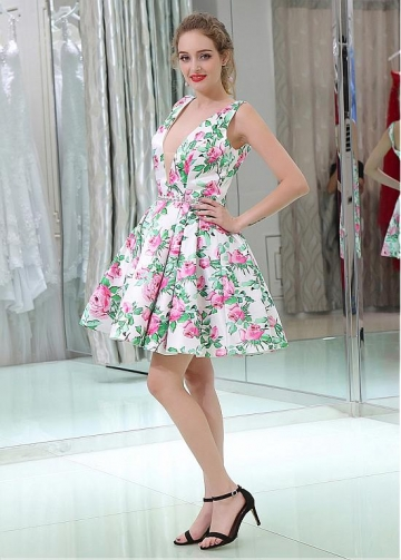 Fashionable V-neck Neckline Short Length A-line Print Homecoming Dresses With Beaded Belt