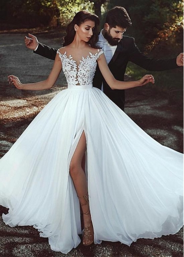 Graceful Tulle & Chiffon Jewel Neckline A-line Wedding Dress With Lace Appliques & Slit