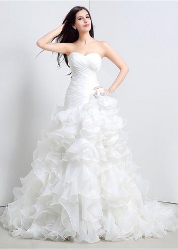 Fabulous Organza Sweetheart Neckline A-Line Wedding Dresses With Cascading Ruffles