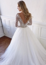 Chic Tulle V-neck Neckline A-line Wedding Dresses With Lace Appliques