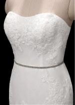 Glamorous Tulle Strapless Neckline Mermaid Wedding Dresses With Lace Appliques & Belt