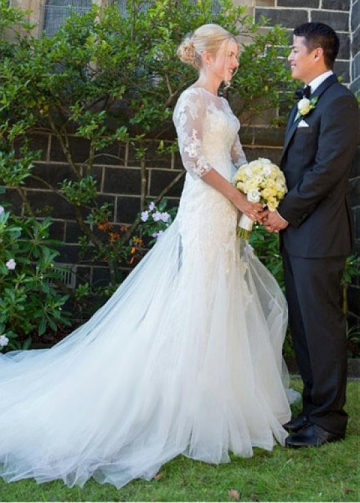Gorgeous Tulle Bateau Neckline Mermaid Wedding Dress With Lace Appliques
