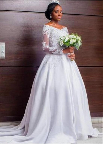 Elegant Tulle & Satin V-neck Neckline A-line Wedding Dress With Beadings & Lace Appliques