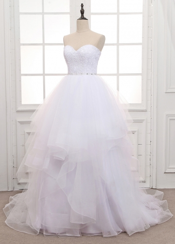 Exquisite Tulle Sweetheart Neckline Ball Gown Wedding Dress With Lace Appliques & Beadings