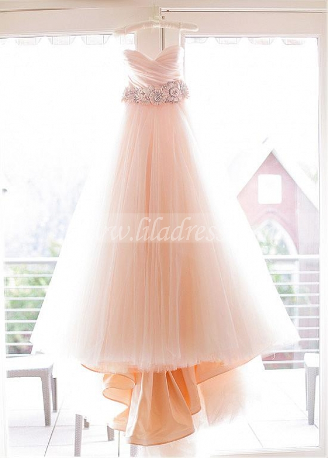 Stunning Tulle Sweetheart Neckline A-line Wedding Dresses With Handmade Flowers
