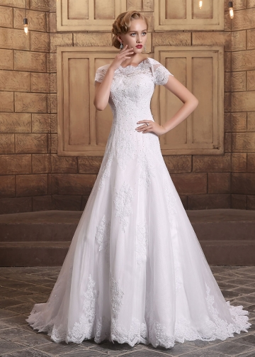 Romantic Tulle Bateau Neckline A-line Wedding Dresses With Beaded Lace Appliques