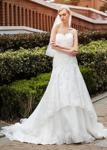 Alluring Organza Satin Sweetheart Neckline Mermaid Wedding Dresses With Beaded Lace Appliques