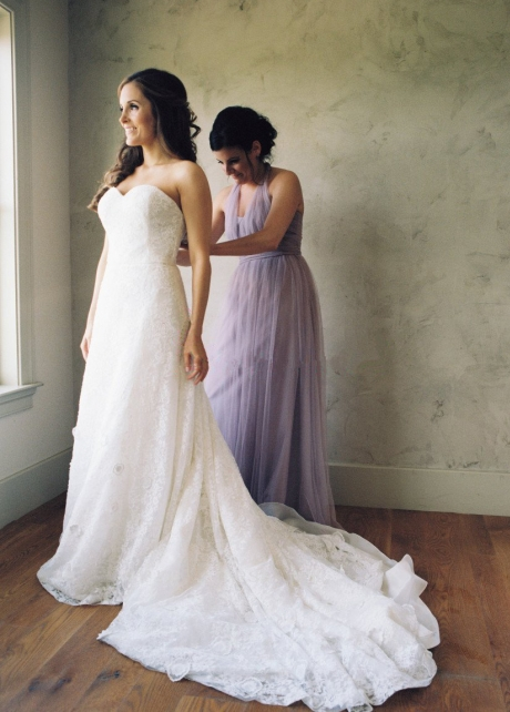 Classic Sweetheart Sheath Lace Bride Dresses with Open Back