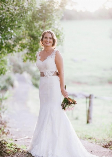 Classic Fit&Flare Lace Wedding Dress with Flower Sash