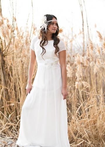 Crystals Short Sleeves Chiffon Boho Wedding Dresses Outside