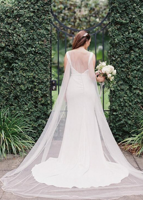 Close-fitting Plunging V-neck Satin Wedding Dress Gowns with Detachable Cape