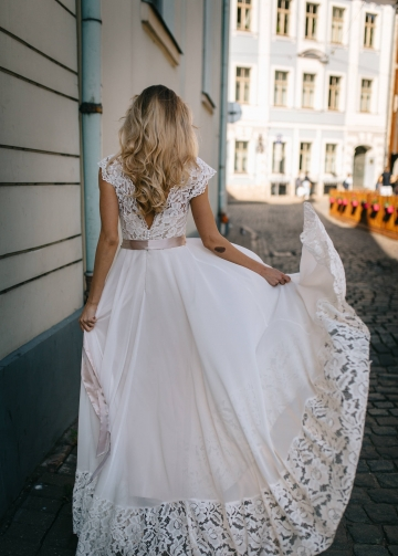 Chiffon Boho Wedding Dress with Lace Top and Hemline