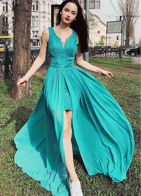 Modern V-neck Neckline Floor-length A-line Evening Dress with Slit