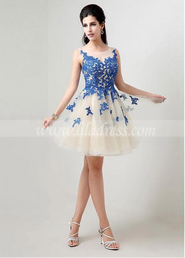 Unique Tulle Bateau Neckline Short A-line Homecoming Dresses With Lace Appliques