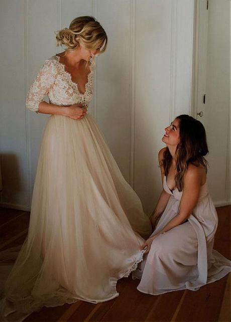 Modest Tulle V-neck Neckline A-line Wedding Dresses With Lace Appliques & Belt