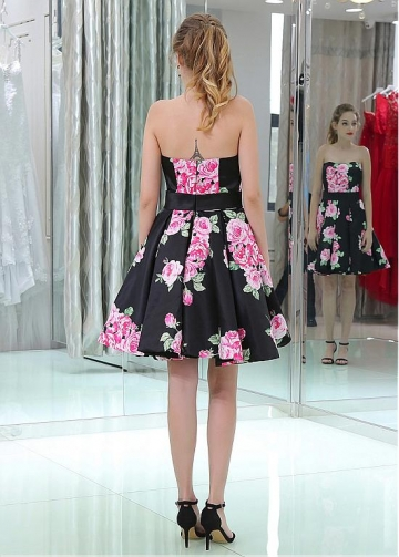 Alluring Strapless Neckline Short Length A-line Cocktail Dresses With Belt