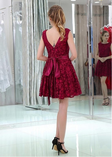 Eye-catching Lace Bateau Neckline Short Length A-line Cocktail Dresses With Belt