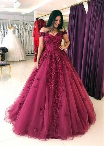 Distinctive Off-the-shoulder Neckline A-line Evening Dress With 3D Beaded Lace Appliques