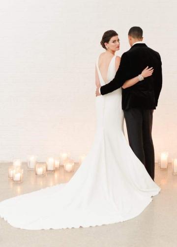 Deep V-neckline Simple Ivory Wedding Dresses Mermaid Style
