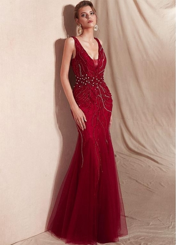 Stunning Tulle V-neck Neckline Mermaid Evening Dresses With Beadings
