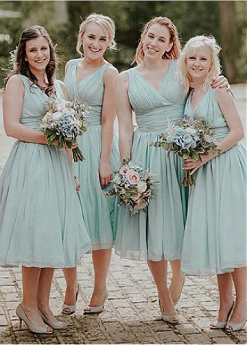 Stunning Chiffon V-neck Neckline Tea-length A-line Bridesmaid Dress With Pleats