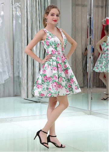 Sweet V-neck Neckline Short Length A-line Print Homecoming Dresses With Beadings