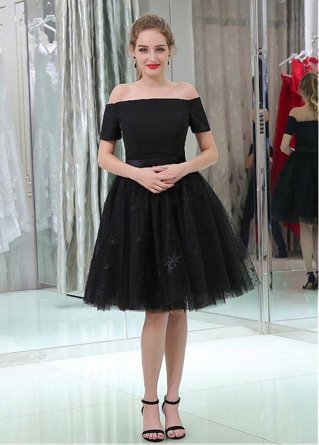 Black Tulle Off-the-shoulder Neckline Knee-length Ball Gown Homecoming Dress with Short Sleeves