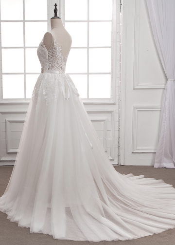 Gorgeous Tulle V-neck Neckline A-line Wedding Dress With Lace Appliques & Belt