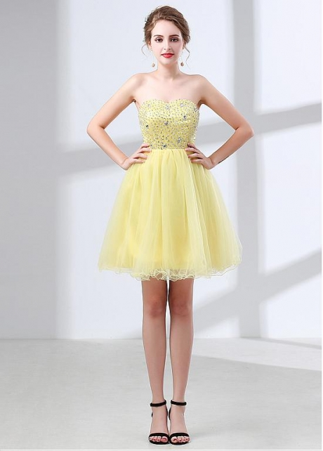 Attractive Tulle Sweetheart Neckline Short A-line Homecoming Dress With Beadings