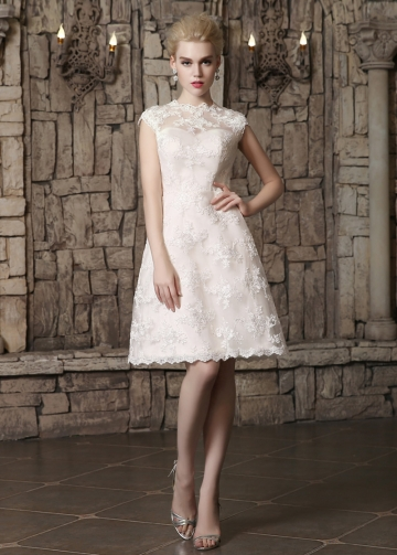 Chic Tulle Jewel Neckline Knee-length A-line Wedding Dresses With Lace Appliques