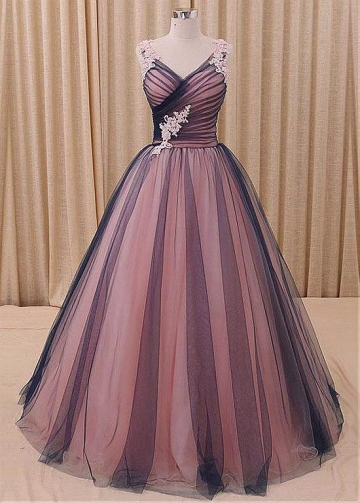 Amazing Tulle V-neck Neckline Ball Gown Evening Dress With Beaded Lace Appliques