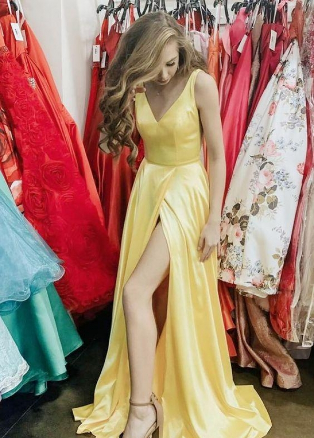 Elegant Long Yellow Prom Gown with Leg Slit Side