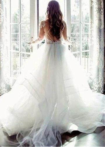 Exquisite Tulle Jewel Neckline Ball Gown Wedding Dress With Lace Appliques