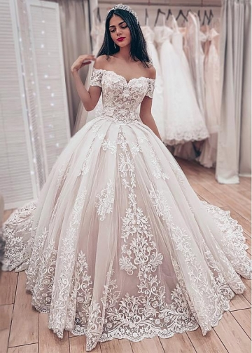 Dazzling Tulle Off-the-shoulder Neckline Ball Gown Wedding Dresses With Lace Appliques