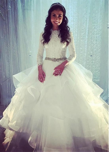 Chic Tulle Jewel Neckline Ball Gown Wedding Dresses With Beaded Lace Appliques & Rhinestones
