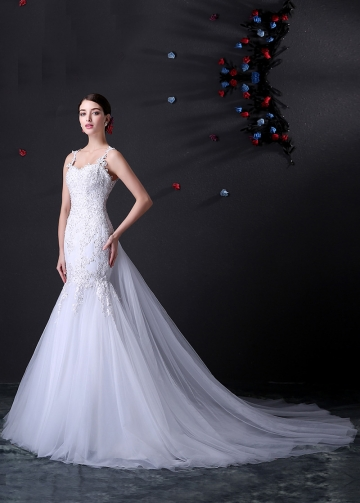 Alluring Tulle Spaghetti Straps Neckline Mermaid Wedding Dress With Beaded Lace Appliques