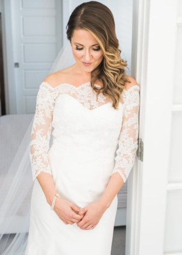 Fit&Flare Off-the-shoulder Wedding Gown with Scalloped Lace Sleeves