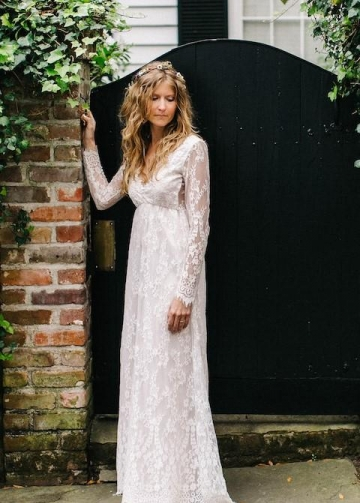 Floor-Length Vintage Lace Wedding Dress Long Sleeves