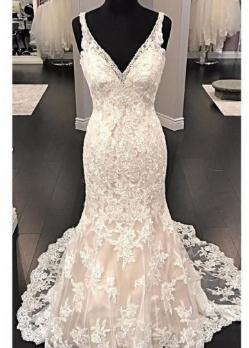Fit&Flare V-neck Wedding Dress Lace Beaded Backless
