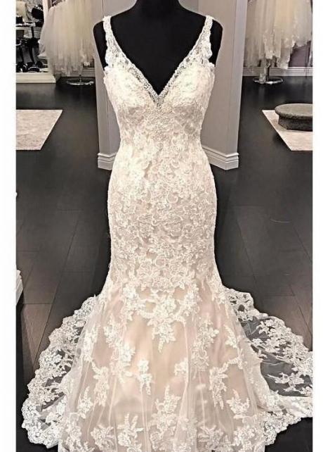 Fit&Flare V-neck Wedding Dress Lace Beaded Backless