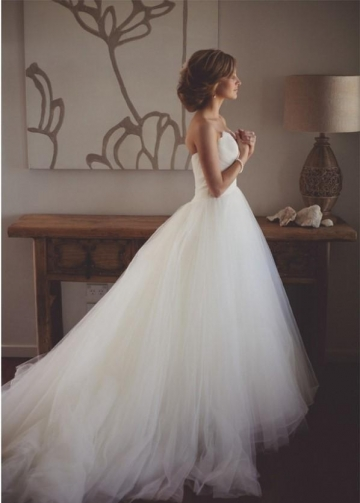 Feather Sweetheart Wedding Dress with Romantic Tulle Skirt