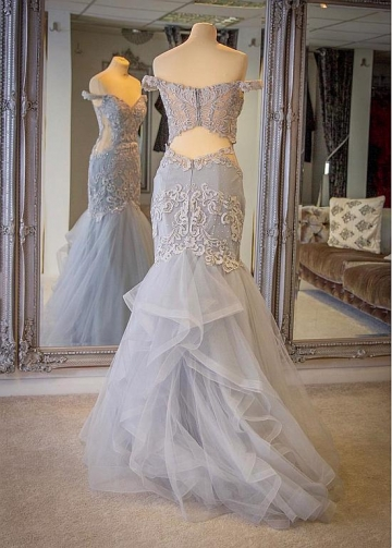 Brilliant Tulle Off-the-shoulder Neckline Floor-length Mermaid Evening Dresses With Lace Appliques & Rhinestones